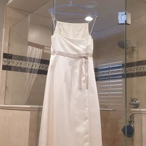 Ivory and cream colored Vera Wang dress size 10.